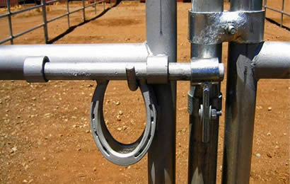 Heavy Duty Steel Horse Panels Enclose And Protect Horse